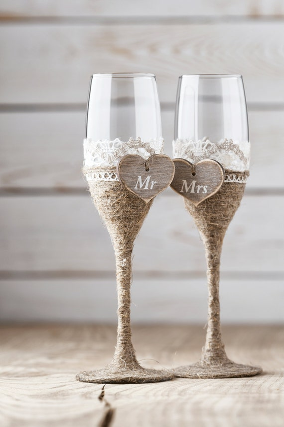 Wedding Toasting Glasses Rustic Toasting Flutes Wedding Champagne Flutes Bride and Groom Wedding Glasses Bridal Shower Gift