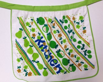 Royal Terry green apple terrycloth apron and matching pot holder 1960/70's