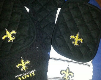 New Orleans Saints Pot Holder and Kitchen Towel Set