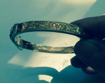 Beautiful 14k victorian bangle bracelet cuff