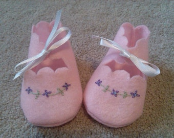 Pink baby booties felt booties pink baby shoes