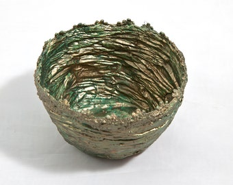 Paper and lace bowl