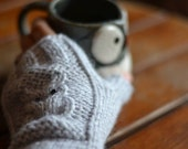 Knit Fingerless Gloves with owl detail - PDF Pattern - Instant Download-cute mittens, Owl Mittens, Fingerless Mitts, Knitting Pattern
