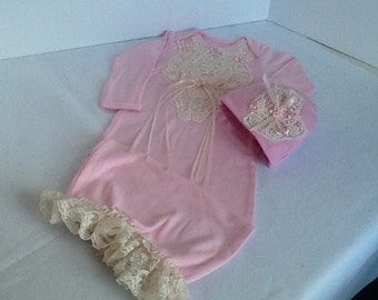Newborn girls bring home  gown and hat set