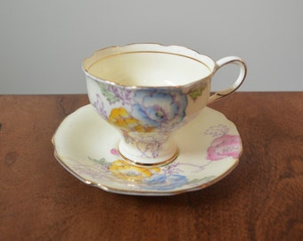 Paragon 'Shirley Poppy' Bone China Teacup and saucer - By Appointment of H.M. Queen Mary 1936-52