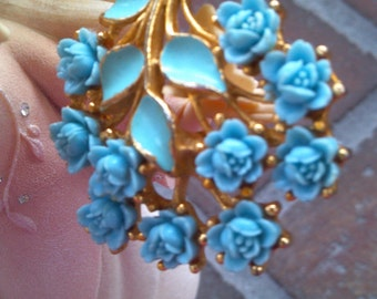 Bouquet of Blue Roses Brooch..Goldtone..Vintage 1960s