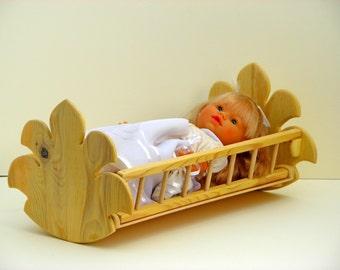 wooden doll cradle - ξύλινη κούνια κούκλας