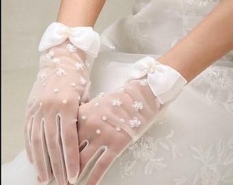 handmade Lace Flower bridal gloves white bridal gloves lace wedding gloves Elegant short gloves