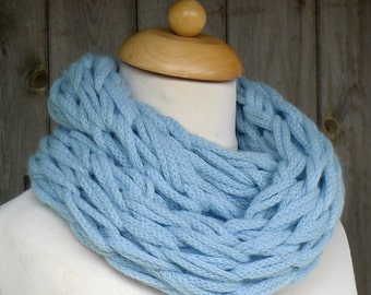 Merino Snood: baby blue