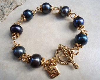 Baroque Black Pearl  Bracelet.Toggle plated in 24K Gold.Bridal.Valentine.Mother's.Birthday.Gift.Statement.Formal.Beadwork.  Handmade.