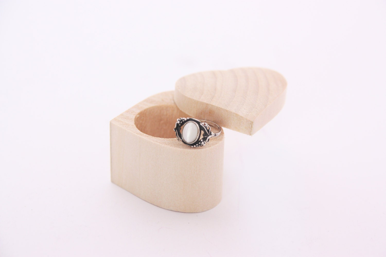 Heart shaped wooden box unfinished wooden ring box for Heart shaped engagement ring box