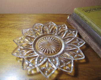 Vintage Federal Glass Petal Pattern Bread and Butter Plate