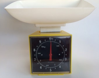 FunKy Mid Century Vintage Kitchen Measuring Scale