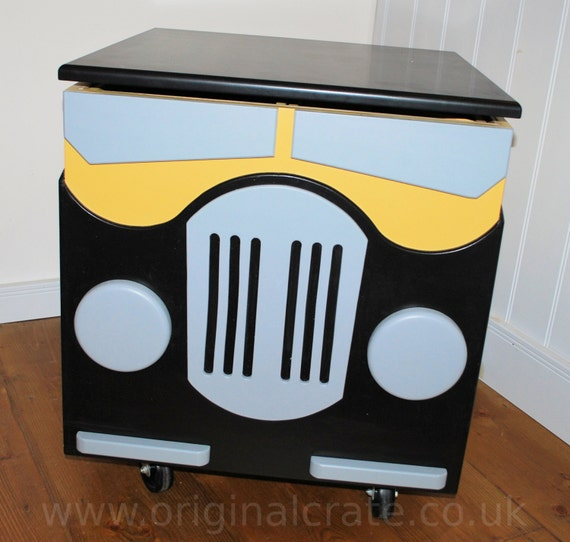 toy box hobby box painted car crate side table chest on wheels. Black Bedroom Furniture Sets. Home Design Ideas