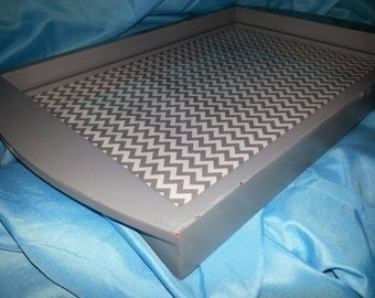 Sturdy chevron tray with glass top!