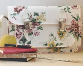 Satchel bag Rose Hip (A romantic flowerish design for this satchel bag with adjustable shoulder strap and many room inside).