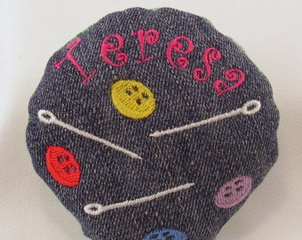 Handmade Round Personalised Name Embroidered Pin Cushion Pincushion Sew Sewing Crafts Pins Needles