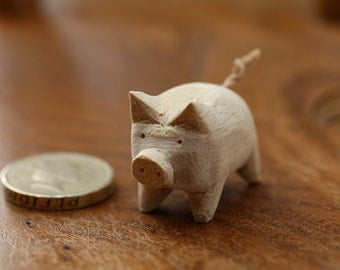 Handmade Hand Carved Natural Little Wooden Pig for Crafts, Home Decor Colouring