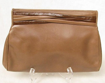 Vintage 1970s FERRAGAMO Purse Clutch with Detachable Shoulder Strap Leather Cross-Body Bag