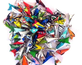 100 small triangles ready to use to make your jewelry / accessories