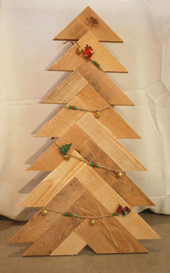 rustic christmas tree pallet wood christmas tree
