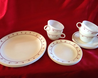 Vintage 1980's Corning Ware Corelle Dinnerware, Burgundy 16 Pieces with Pyrex Cups