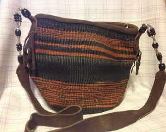 Hand Weaved Kenyan Purse with beads.