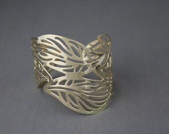 Gold tone Leaf leaves filigree cutout metal wide cuff bangle bracelet