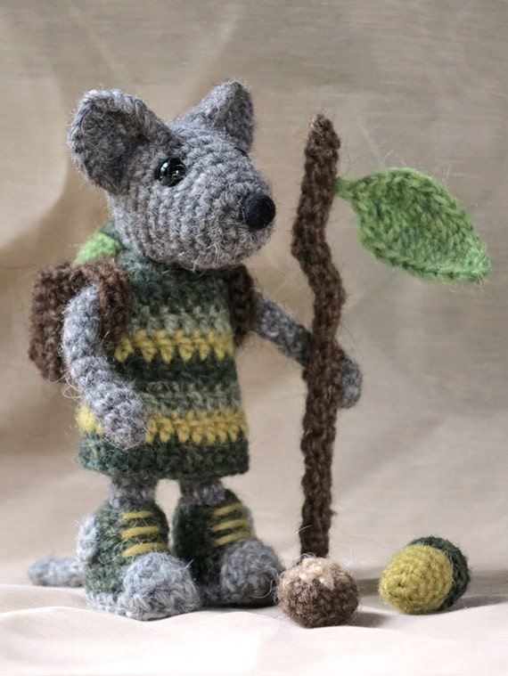 Items similar to Crochet mouse amigurumi pattern on Etsy