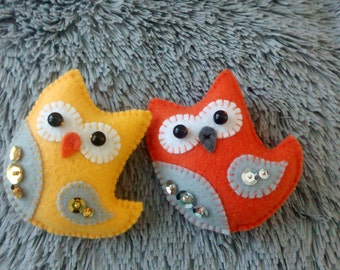 Felt Owl / Felt Ornament/ Spring Ornament/ Valentine Gift / Key Chain/ Christmas Ornament/ Handmade