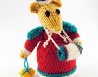 Handmade Knitted Winter Mouse Doll Collectables (Brand New)