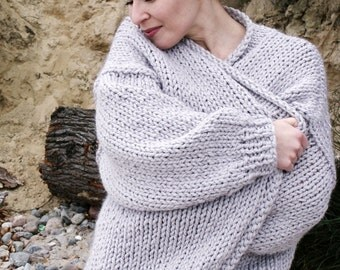 Chunky knit sweater. Big yarn cardigan. Chunky knitting. Bulky