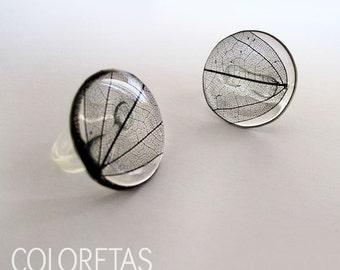 Black leaf Ring