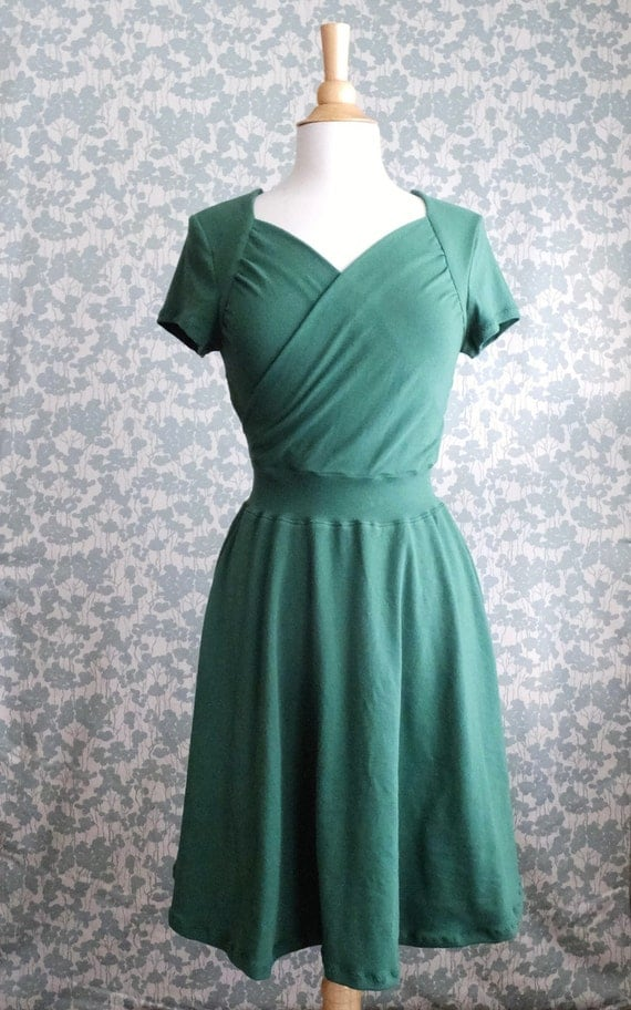 Size LARGE Emerald Green Dress Sweetheart Crossover Cotton Jersey Short Sleeve Full swing ruched nursing top Party Dress Ready to ship