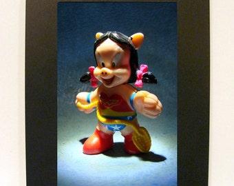 "Framed Wonder Woman Toy Photograph 5"" x 7"" Petunia Pig"