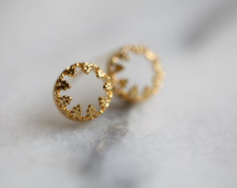 There is no queen without a crown- post silver and gold earrings, studs. Gold plated-vermeil earrings