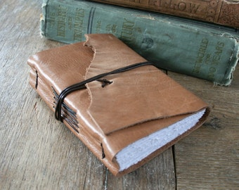 "Leather Journal - Helen Keller: ""One can never consent to creep when one feels an impulse to soar."" distressed honey brown / tan (320pgs)"