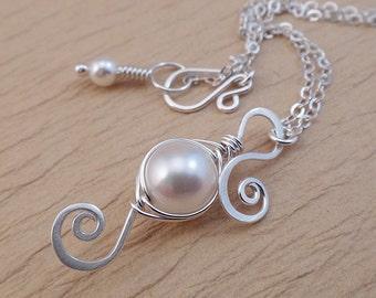 Pea Pod Jewelry - Pea Pod Necklace - Bridesmaid Pearl Necklace - One Peas in a Pod Necklace - Bridal Jewelry Gift