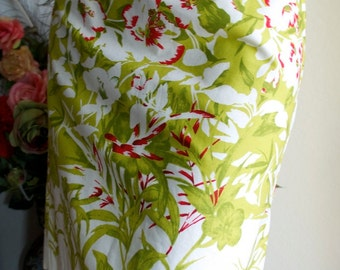 Vintage 80s  Tropical Hibiscus Polynesian Greens Reds Creams Print Pencil Skirt L