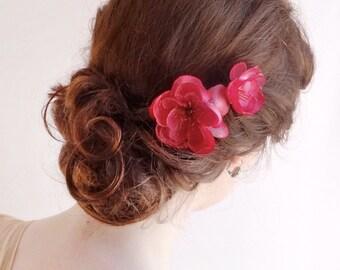 pink flower hair pins, bright pink hair flower, fuchsia hair clips, tropical hair piece, tropical wedding, bridesmaid hair accessories