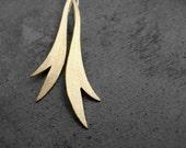Garden Earrings - Brass earrings, golden earrings, dangle earrings, long earrings, leaf, elegant, feather, made in Italy