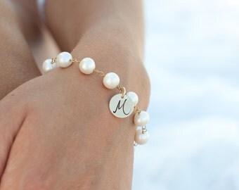 Freshwater Pearl bracelet, Freshwater pearls, Personalized bracelet, Initial charm bracelet, Bridesmaid gift, graduation gift