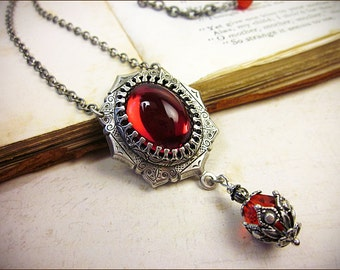 Red Renaissance Necklace, Ruby Jewel Necklace, Tudor Costume, Medieval Wedding, Ren Faire, Renaissance Pendant Necklace, MedCol