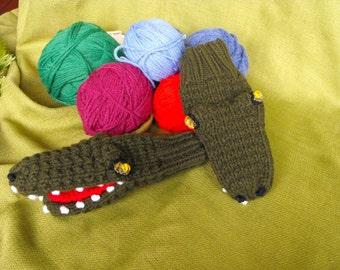 Young Adult  (sm-med) Hand Knit Alligator Puppet Mittens Original Design Bonnie Palmer