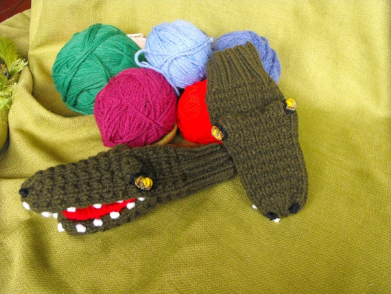 young adult smmed hand knit alligator puppet mittens