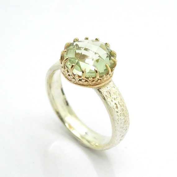 Green amethyst ring set in lace gold and hammered silver