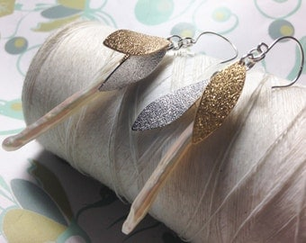 Mixie - stick pearl earrings / gold silver earrings / white pearl earrings / long pearl earrings / leaf earrings / mixed metal earrings