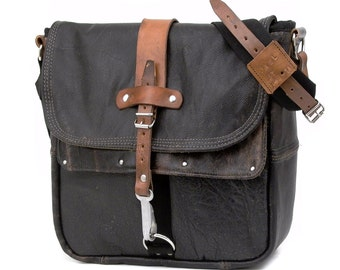 Black Leather Messenger  // Upcycled and Handmade by peace4you - Model paul-2067