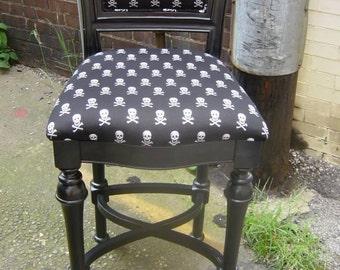 Glitter - Me Skull Chair