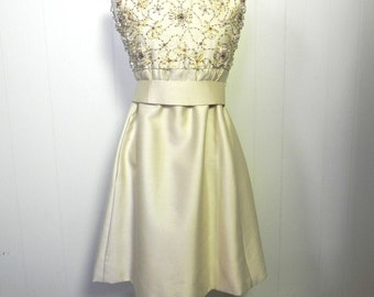 Vintage 1960s Dress pale yellow Party Dress with beads / Cute 60s Mod Party Dress M - on sale